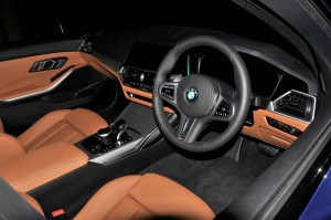 BMW 330i M Sport_G20_Interior_Front_Malaysia