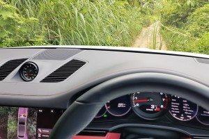 Porsche Cayenne_3.0 V6_Off Road_Malaysia