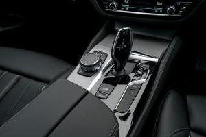 BMW 530e M Sport_Centre Console_Gear Lever_iDrive Controller_Malaysia