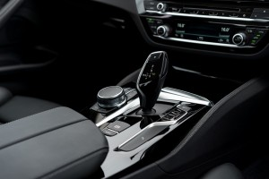 BMW 520i Luxury_Centre Console_iDrive_Gear Lever_Malaysia