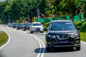 The Nissan X-Trail 2.0L Hybrid undergoing testing by media