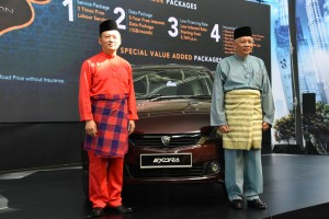 Proton Exora 2019_Dr. Li Chunrong, CEO and Dato' Radzaif Mohamed, DCEO of PROTON (right)