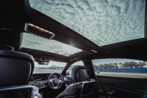 Mercedes-Benz S560e_Plug-in Hybrid_EQ_Sunroof_Malaysia