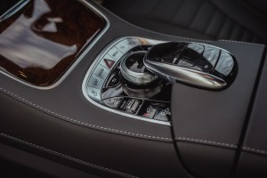Mercedes-Benz S560e_Centre Console_Comand_Touch Controller_Malaysia