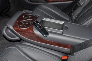 Mercedes-Benz S560e_Rear Armrest_Remote Control_Malaysia