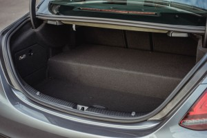 Mercedes-Benz C300e_Plug-in Hybrid_Lithium-ion Battery_Boot_Luggage Space_Malaysia