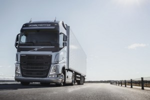 Volvo Trucks_FH_Globetrotter_Road