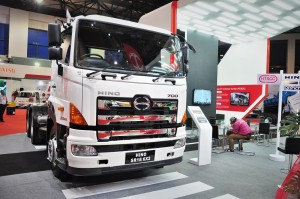 Hino SR1E 6x2_700 Series_Prime Mover_Truck_Automated Manual Transmission