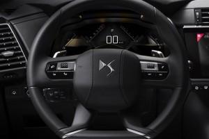 DS 7 Crossback_Steering Wheel_Meter Display