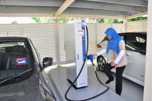 Nissan LEAF_Nichicon 50kW CHAdeMO Fast Charger_Malaysia