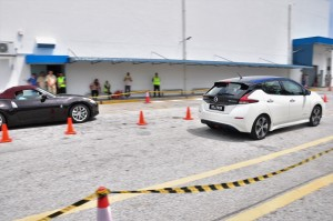Nissan LEAF_Acceleration Challenge_Nissan 370Z_Malaysia