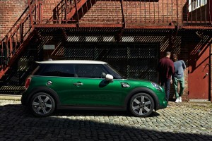 The MINI 60 Years Edition_Cooper S 3-Door_Side Profile