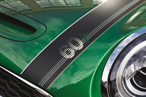 The MINI 60 Years Edition_Bonnet Stripe