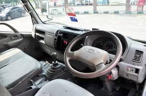 Hino 300_Manual Transmission_Interior_Light Duty Truck