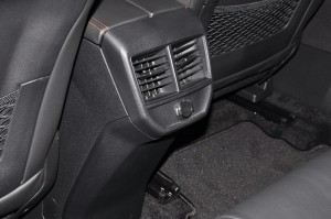 Peugeot 3008 SUV Plus_Rear Air Vents_USB Port_Malaysia