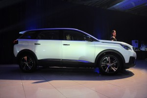 Peugeot 5008 SUV Plus_Side View_Malaysia
