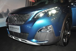 Peugeot 5008 SUV Plus_Allure_LED Headlights_Front Grille_Malaysia