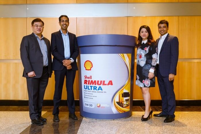 Shell Malaysia a lancé Shell Rimula Ultra 5W-30. dans - - - Actualité lubrifiants automobiles Shell-Rimula-Ultra-5W-30_Diesel-Engine-Oil_Sng-Miah-Thye-Baljit-SIngh-May-Tan-and-Ravi-Shankar_Malaysia-700x466