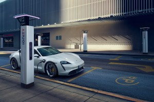 Porsche Taycan_Electric Vehicle_Sports Car_Charging Station
