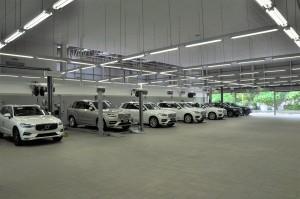 Volvo Car Malaysia_3S Centre_Service Bays_Hoist