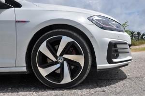 Volkswagen Golf GTI_Mark 7.5