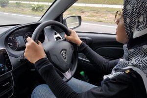 Proton Saga_Driving_Malaysia