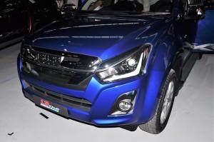 Isuzu D-Max_1.9 DDI Blue Power_Front Bumper_Grille_Bi-LED_DRL