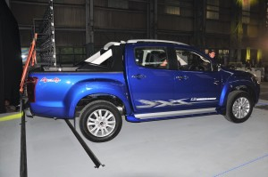 Isuzu D-Max 1.9 Blue Power_Side View