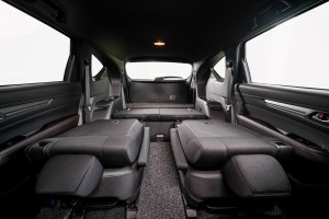 Mazda CX-8_Mid Plus_Seats Folded_2019