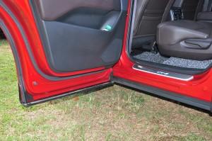 Mazda CX-8_Door_Sill