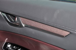 Mazda CX-8_Ayous Wood Trim_2019