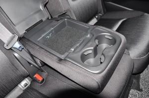 Mazda CX-8 Mid_Armrest_USB Ports_Fabric Seat