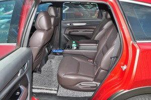 Mazda CX-8 High_6 Seater_Centre Console_2nd Row Seats