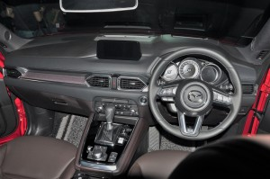Mazda CX-8_Dashboard_2019