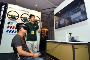 Scania_Mr Alvin Tan, Librans Sdn Bhd_New Truck Generation virtual reality headset_Tan Chee Hon, Services Product Manager, Scania Southeast Asia_Malaysia