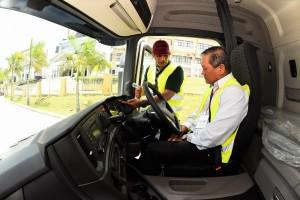 Scania Malaysia_Roslan, driver trainer_Dato' Ooi Win Juat, Puspakom