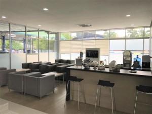 Shirba PROTON 3S waiting lounge and coffee area