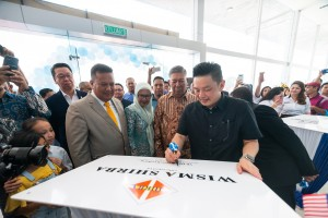 YB Darell Leiking at the official launch of Shirba PROTON 3S Centre in Kota Kinabalu