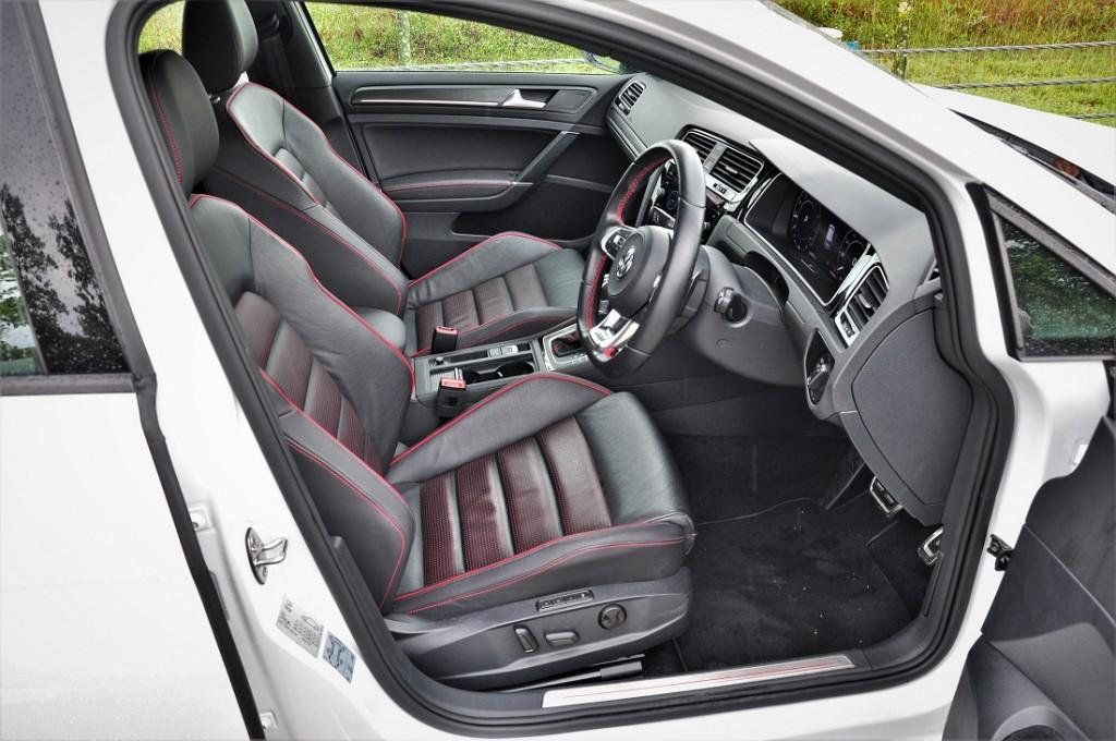 Volkswagen Golf GTI Mk 7.5_VW Front Seats