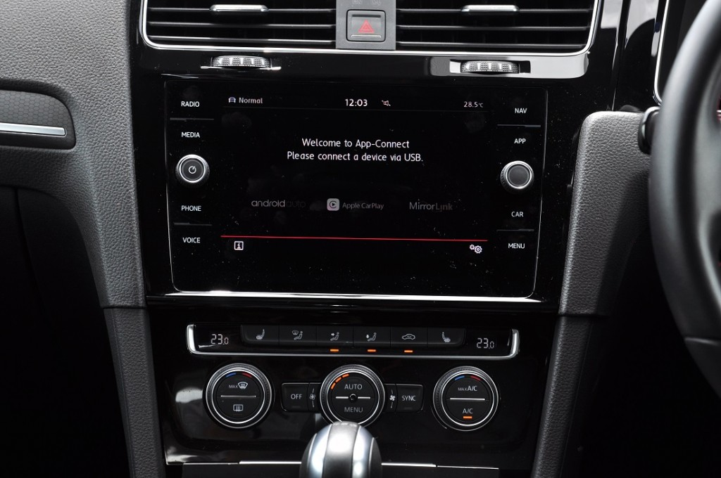 Volkswagen Golf GTI_VW 8 Inch Discover Media Touchscreen