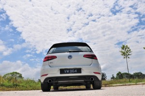VW Golf GTI Mk 7.5_Volkswagen_Rear