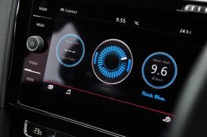 Volkswagen Golf GTI Mk 7.5_8 Inch Discover Media Screen_Drive Info_Fuel Consumption