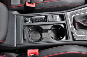 Volkswagen Golf GTI Mk 7.5_Centre Console_Cup Holders