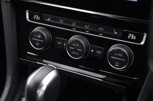 Volkswagen Golf GTI Mk 7.5_Dual Zone Climate Control