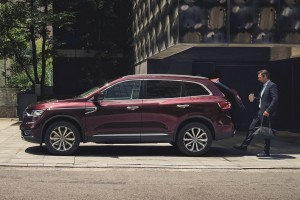 New Renault Koleos_Millesime Red_Hands-free power tailgate_2019