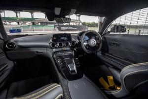 Mercedes AMG GT R_Dashboard