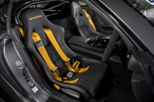 Mercedes AMG GT R_Bucket Seats_4-Point Harness