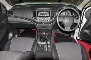 Mitsubishi Triton Quest_Interior_Dashboard
