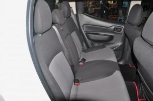Mitsubishi Triton Quest_Rear Seats