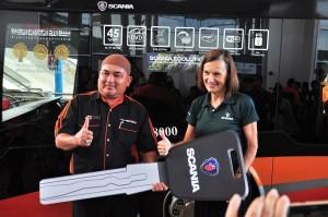 Perdana Group_Scania Bus Handover_Tn Hj Laili Ismail_Marie Sjodin Enstrom_Perdana Express